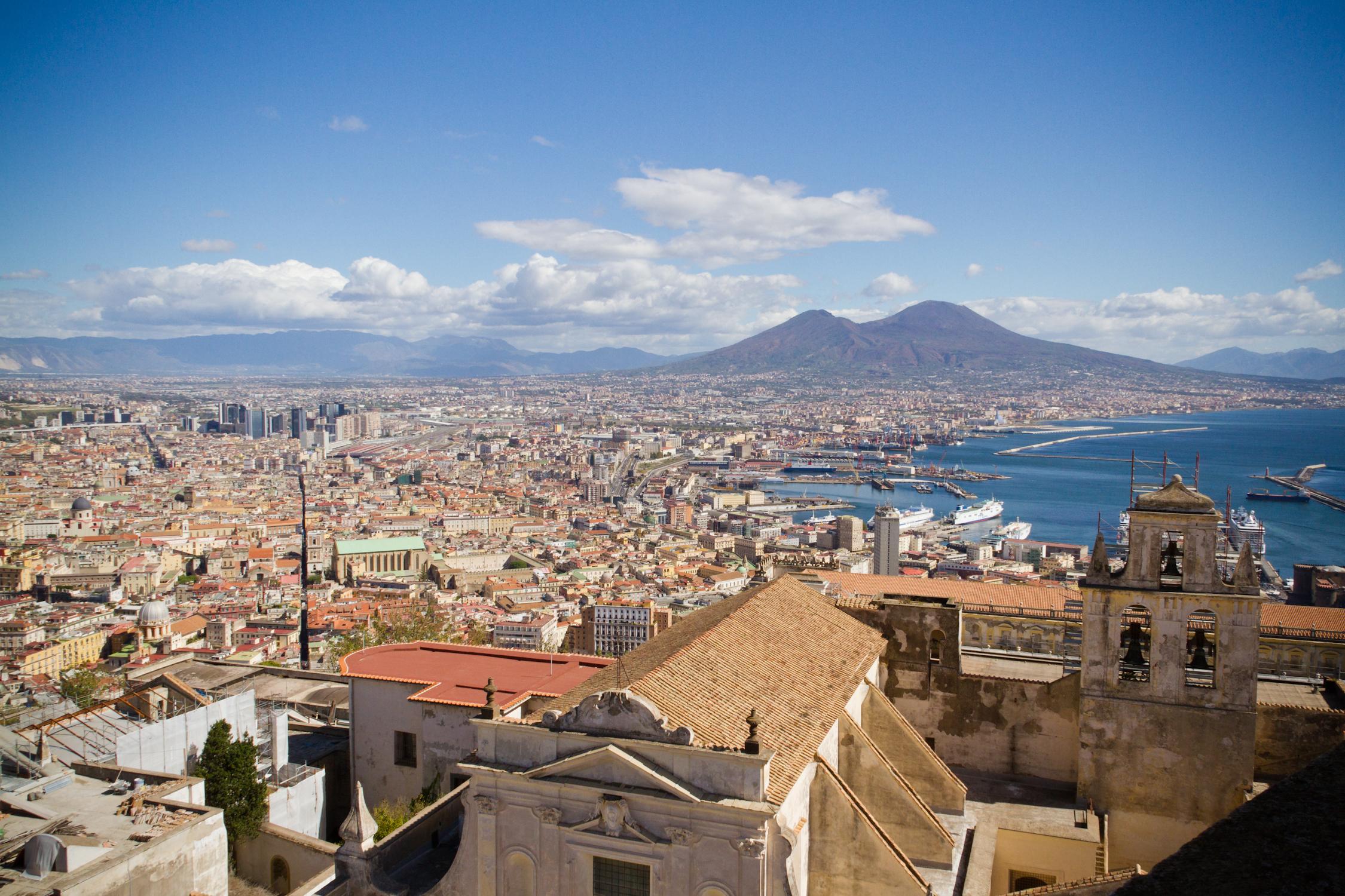 Neapel mit Vesuv